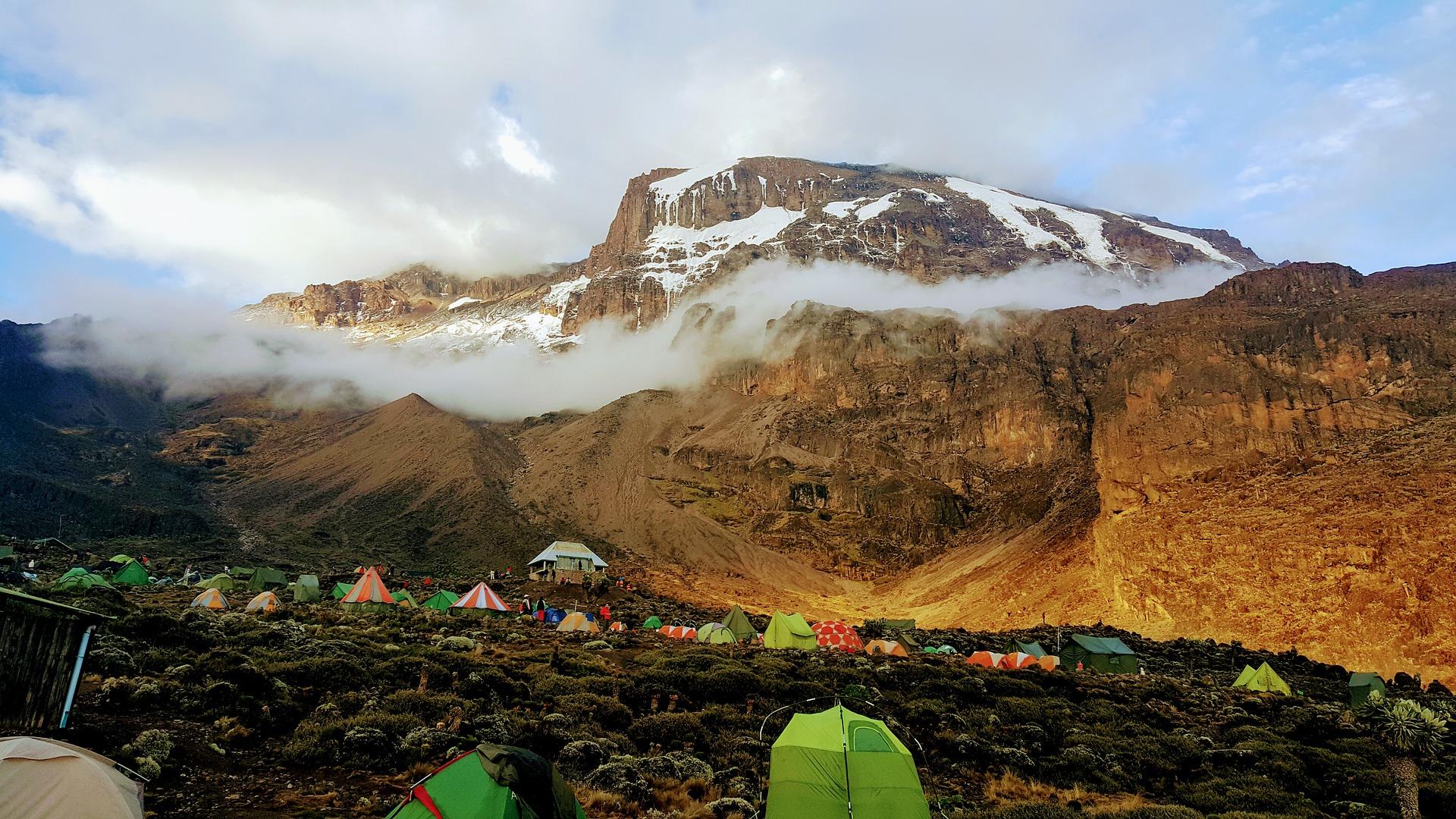 kilimanjaro-2412546_1920